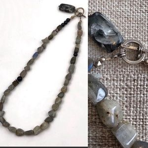 Stone necklace with varied gray stones